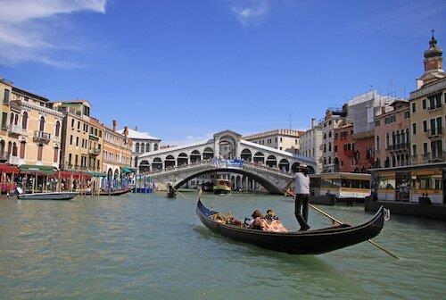 xitaly_rialto_ed_shiler_shutterstock_jpg_pagespeed_ic_X4wwCOkN4I